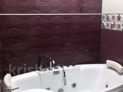 2-комнатный дом, 77 м², 2.8 сот., Муканова 116 — Казыбек би за 30.5 млн 〒 в Алматы, Алмалинский р-н