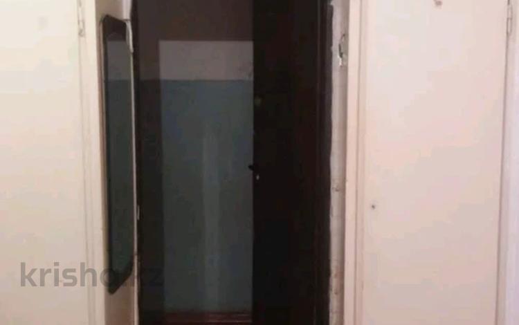1-комнатная квартира, 13 м², 4/4 этаж, мкр №6, Абая 57 — Янтарный за 4.2 млн 〒 в Алматы, Ауэзовский р-н