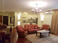 4-комнатная квартира, 168 м², 17/22 этаж посуточно, Абылай хана 92 — Кабанбай батыра за 30 000 〒 в Алматы, Алмалинский р-н