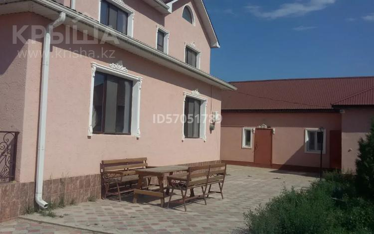 8-комнатный дом, 330 м², 10 сот., улица Каспий 5 за 45 млн 〒 в