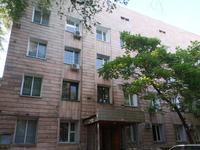 Здание, площадью 1182 м²