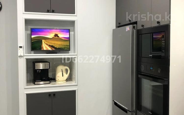 2-комнатная квартира, 62.2 м², 6/9 этаж, мкр Нурсая за 28.5 млн 〒 в Атырау, мкр Нурсая