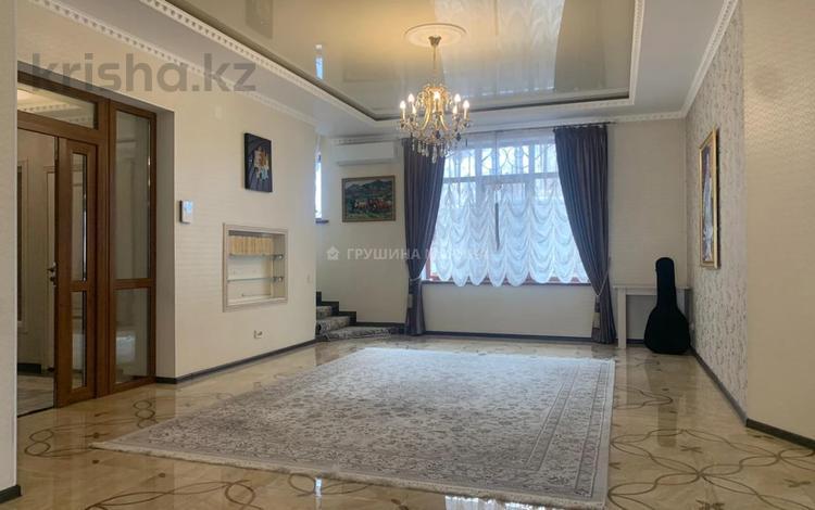4-комнатный дом помесячно, 400 м², 20 сот., Бостандыкский р-н, мкр Ерменсай за 2 млн 〒 в Алматы, Бостандыкский р-н