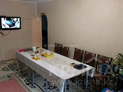 3-комнатная квартира, 59 м², 1/5 этаж, Мкр Акбулак 18 за 12.5 млн 〒 в Таразе
