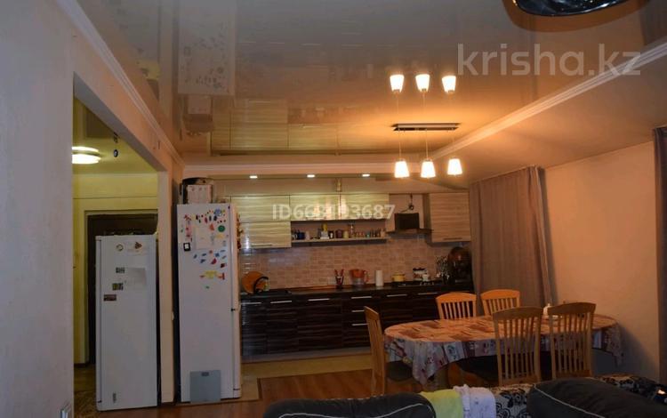 3-комнатная квартира, 106 м², 6/6 этаж, мкр Кокжиек 59 за 30 млн 〒 в Алматы, Жетысуский р-н