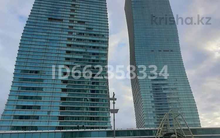 1-комнатная квартира, 40 м², 27/36 этаж посуточно, Достык 5 за 10 000 〒 в Нур-Султане (Астана)