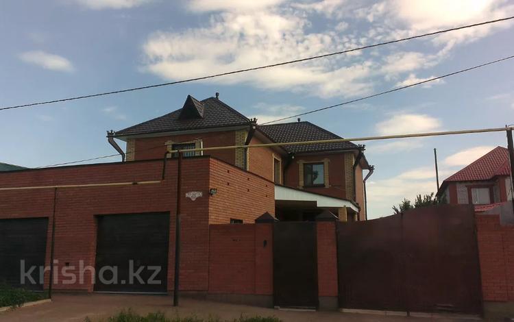 7-комнатный дом, 250 м², 10 сот., Льва Толстого 106 — Айтиева за 90 млн 〒 в Уральске