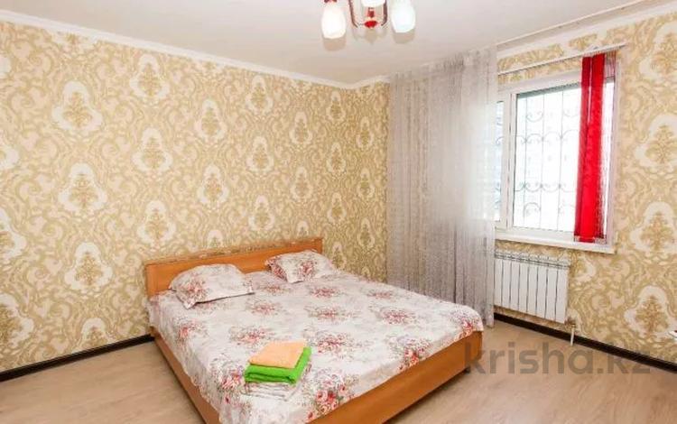 3-комнатная квартира, 120 м², 3/10 этаж посуточно, Сарайшык 5 — Кабанбая батыра за 15 000 〒 в Нур-Султане (Астана), Есиль р-н