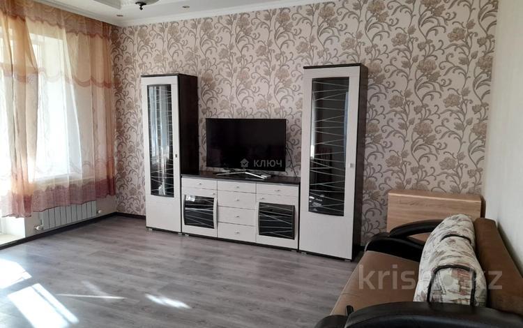 4-комнатный дом помесячно, 112 м², Никола Тесла — проспект Кабанбай Батыра за 200 000 〒 в Нур-Султане (Астана), Есиль р-н