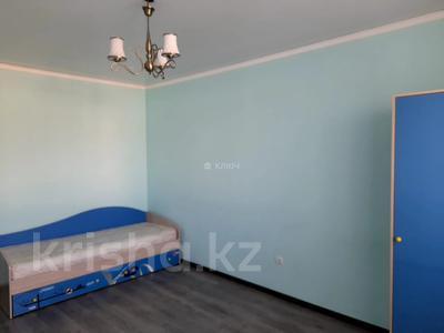 4-комнатный дом помесячно, 112 м², Никола Тесла — проспект Кабанбай Батыра за 200 000 〒 в Нур-Султане (Астана), Есиль р-н — фото 16