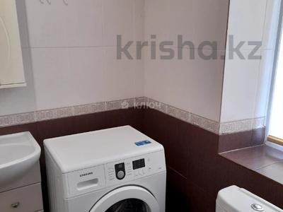 4-комнатный дом помесячно, 112 м², Никола Тесла — проспект Кабанбай Батыра за 200 000 〒 в Нур-Султане (Астана), Есиль р-н — фото 19