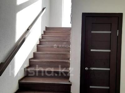 4-комнатный дом помесячно, 112 м², Никола Тесла — проспект Кабанбай Батыра за 200 000 〒 в Нур-Султане (Астана), Есиль р-н — фото 20