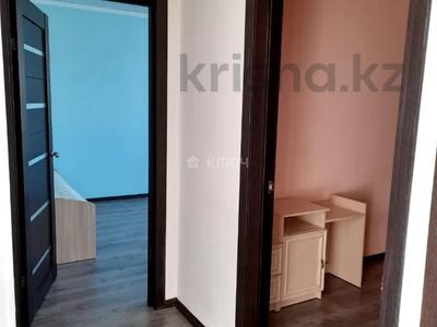 4-комнатный дом помесячно, 112 м², Никола Тесла — проспект Кабанбай Батыра за 200 000 〒 в Нур-Султане (Астана), Есиль р-н — фото 4