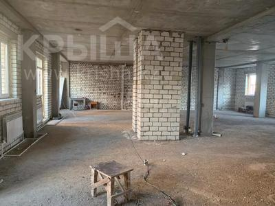 Магазин площадью 201 м², Мурата Монкеулы 85/4 за 41.5 млн 〒 в Уральске — фото 2