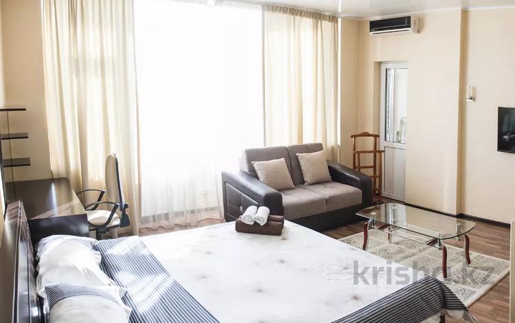 1-комнатная квартира, 37 м², 9/12 этаж посуточно, проспект Кунаева 38 за 11 000 〒 в Шымкенте, Аль-Фарабийский р-н