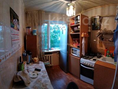 1-комнатная квартира, 31 м², 1/5 этаж, мкр Майкудук, 11а мкр. 5 за 6 млн 〒 в Караганде, Октябрьский р-н