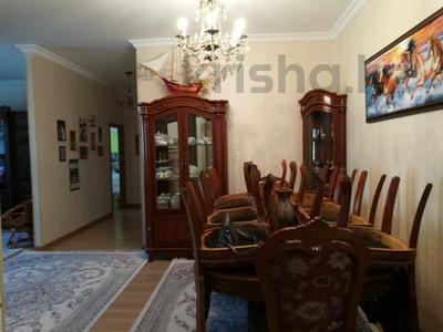 3-комнатная квартира, 125 м², 5/10 этаж помесячно, Байтурсынова 17 за 190 000 〒 в Нур-Султане (Астана) — фото 10