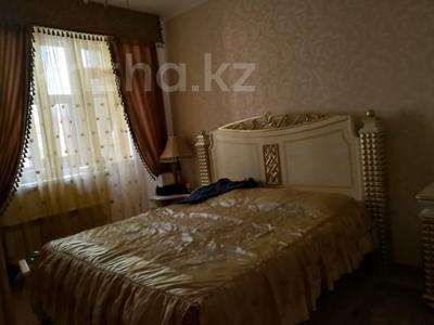 3-комнатная квартира, 125 м², 5/10 этаж помесячно, Байтурсынова 17 за 190 000 〒 в Нур-Султане (Астана) — фото 11