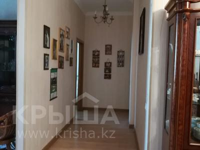 3-комнатная квартира, 125 м², 5/10 этаж помесячно, Байтурсынова 17 за 190 000 〒 в Нур-Султане (Астана) — фото 12