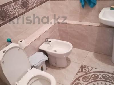 3-комнатная квартира, 125 м², 5/10 этаж помесячно, Байтурсынова 17 за 190 000 〒 в Нур-Султане (Астана) — фото 2
