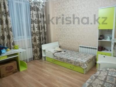 3-комнатная квартира, 125 м², 5/10 этаж помесячно, Байтурсынова 17 за 190 000 〒 в Нур-Султане (Астана) — фото 7