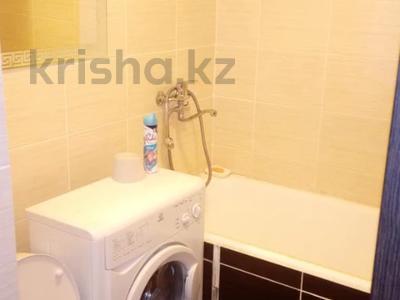 1-комнатная квартира, 32 м², 2/5 этаж посуточно, Протозанова 31 за 6 000 〒 в Усть-Каменогорске — фото 4