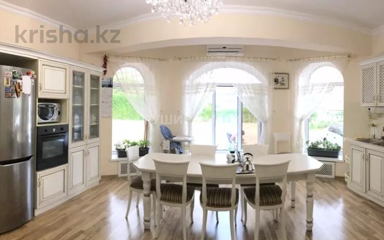 5-комнатный дом, 180 м², 16 сот., мкр Юбилейный за 253.5 млн 〒 в Алматы, Медеуский р-н