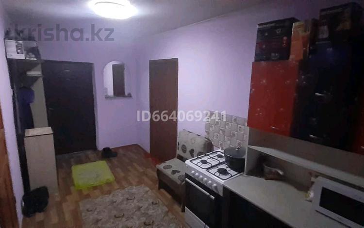4-комнатная квартира, 100 м², 1/1 этаж, Алмалы ауылы 11 — Чехова за 6 млн 〒 в Есик