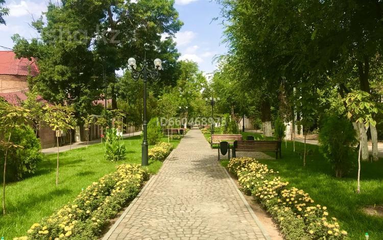 3-комнатный дом, 84.3 м², 3.2 сот., Бекет батыра 57 за 27 млн 〒 в Шымкенте, Енбекшинский р-н