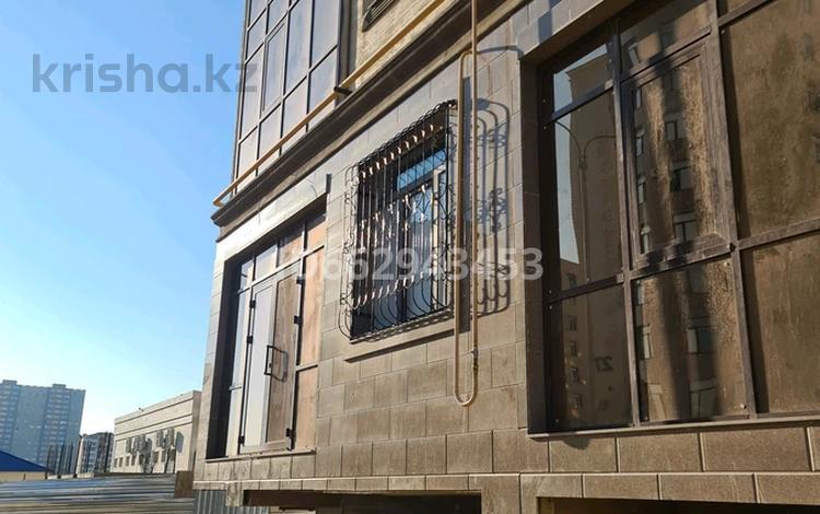 Офис площадью 105 м², 17-й мкр 83 за 30 млн 〒 в Актау, 17-й мкр