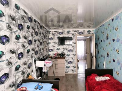 2-комнатная квартира, 47 м², 4/5 этаж, 21-й мкр 14 за ~ 9 млн 〒 в Караганде