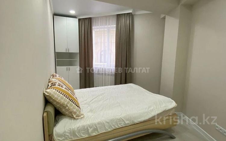2-комнатная квартира, 50 м², 7/12 этаж на длительный срок, Бегалина за 300 000 〒 в Алматы, Медеуский р-н