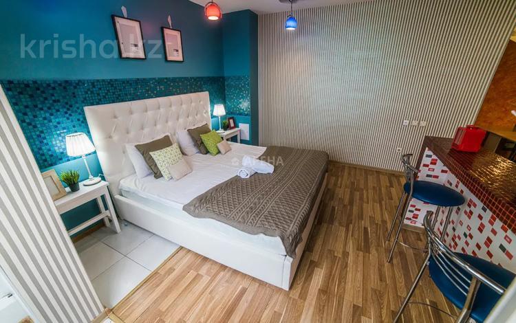 3-комнатная квартира, 75 м², 20/25 этаж посуточно, Каблукова 264 за 17 000 〒 в Алматы, Бостандыкский р-н