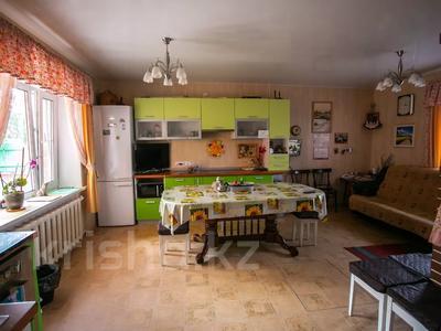 8-комнатный дом, 303 м², 20 сот., Сосновка 31 — Советская за 31.8 млн 〒 в Омске — фото 18