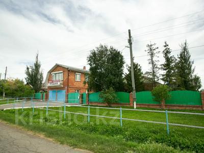 8-комнатный дом, 303 м², 20 сот., Сосновка 31 — Советская за 31.8 млн 〒 в Омске — фото 2