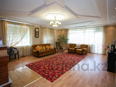 8-комнатный дом, 303 м², 20 сот., Сосновка 31 — Советская за 31.8 млн 〒 в Омске — фото 20
