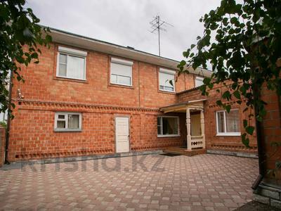 8-комнатный дом, 303 м², 20 сот., Сосновка 31 — Советская за 31.8 млн 〒 в Омске — фото 3