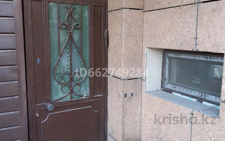 3-комнатный дом помесячно, 48 м², 11-й микрорайон, 11-й микрорайон 97 за 60 000 〒 в Шымкенте, Енбекшинский р-н