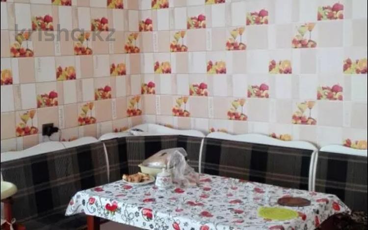 4-комнатный дом, 80 м², 6 сот., 13 водная 10 за 6 млн 〒 в Семее