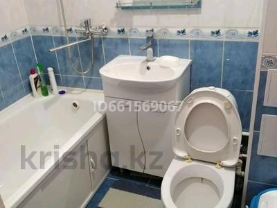 3-комнатная квартира, 56 м², 1/2 этаж, Селиверстова 1 — Маресьева за 7 млн 〒 в Актобе