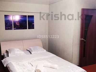 1-комнатная квартира, 40 м², 3/5 этаж посуточно, Жансугурова 112 — Шевченко за 5 000 〒 в Талдыкоргане