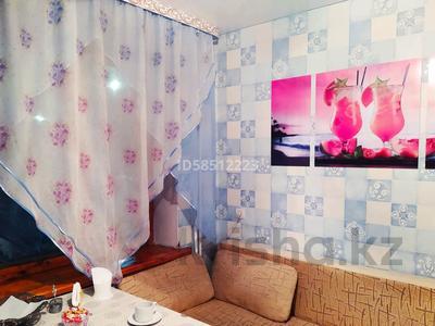 1-комнатная квартира, 40 м², 3/5 этаж посуточно, Жансугурова 112 — Шевченко за 5 000 〒 в Талдыкоргане — фото 4
