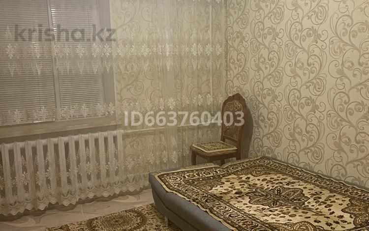 2-комнатная квартира, 57 м², 4/10 этаж, мкр 12, 12 мкр 21 за 14 млн 〒 в Актобе, мкр 12