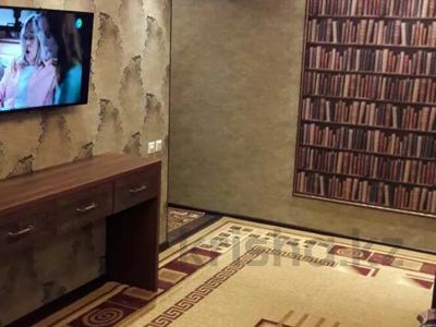 2-комнатная квартира, 42 м², 4/4 этаж посуточно, Б. Момышулы 15 за 10 000 〒 в Шымкенте, Аль-Фарабийский р-н — фото 3