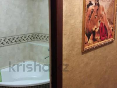 2-комнатная квартира, 42 м², 4/4 этаж посуточно, Б. Момышулы 15 за 10 000 〒 в Шымкенте, Аль-Фарабийский р-н — фото 6