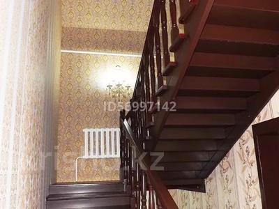 6-комнатный дом, 300 м², 8 сот., Мкр Айсулу за 50 млн 〒 в Туздыбастау (Калинино) — фото 25
