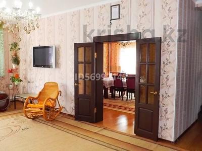 6-комнатный дом, 300 м², 8 сот., Мкр Айсулу за 50 млн 〒 в Туздыбастау (Калинино) — фото 4