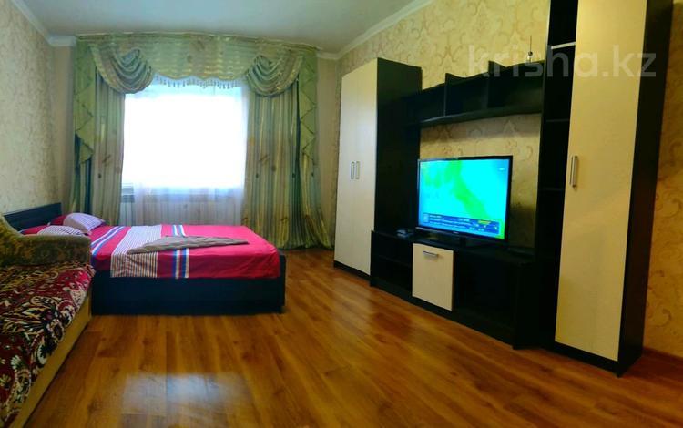 2-комнатная квартира, 48 м², 17/17 этаж посуточно, Мамыр-1 29/8 — Момышулы-Шаляпина за 10 000 〒 в Алматы, Ауэзовский р-н