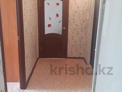 2-комнатная квартира, 68 м², 2/10 этаж посуточно, мкр 11 114 за 9 000 〒 в Актобе, мкр 11