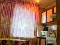 1-комнатная квартира, 35 м² по часам, улица Байзак батыра 172 за 2 000 〒 в Таразе